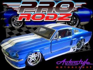 MAISTO 1/24 FORD MUSTANG GT-0