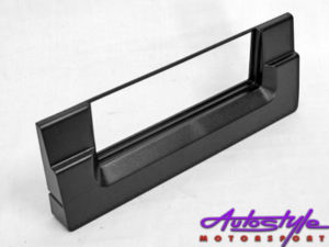 Non-Original Radio Fascia Trim Plate to fit E39-0