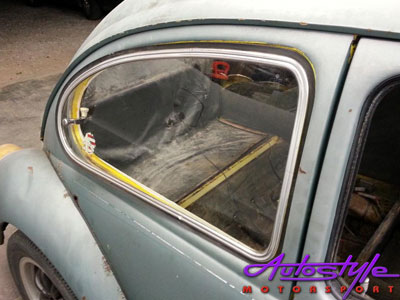 VW Beetle Pop Out Side Windows with Rubber (pair)