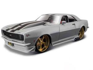 Maisto 1:24 Chev Comaro Z28 Model Car-0