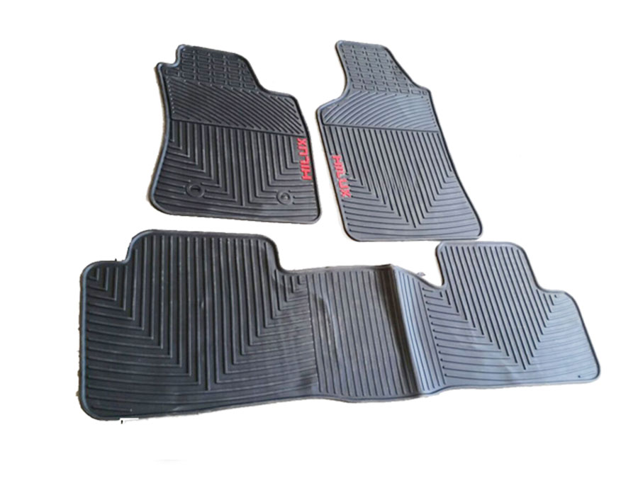 Rubber Floormats to fit Toyota Hilux 05-2015
