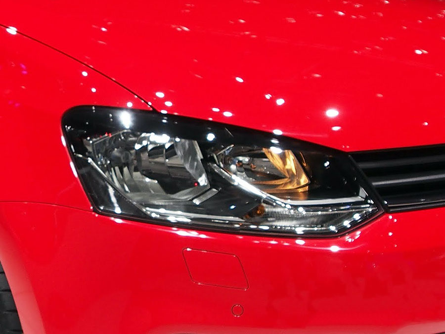 VW Polo 2015+ Trendline Replacement Headlight (RHS) with socket