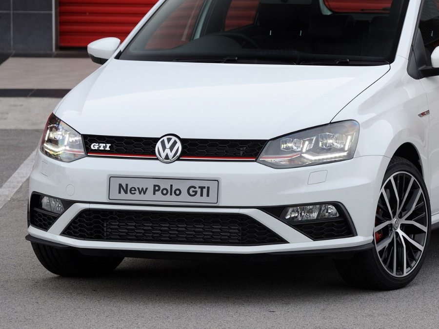 VW Polo 7 2015+ Gti Style Complete Front Bumper